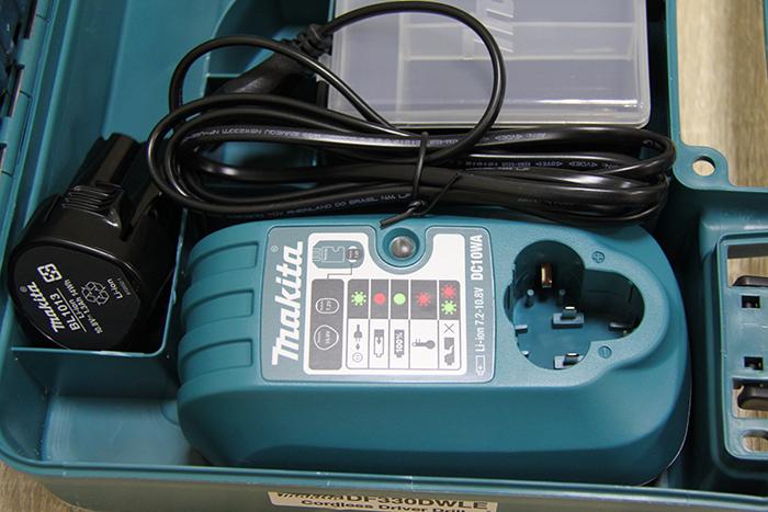 Оригинальное зарядное устройство Makita