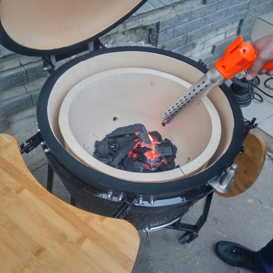 Разжигание угля для мангала при помощи технического фена